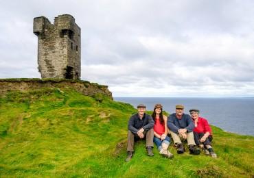 family-cliffs-of-moher-xl.jpg