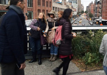 high-line-tourists-2.jpg