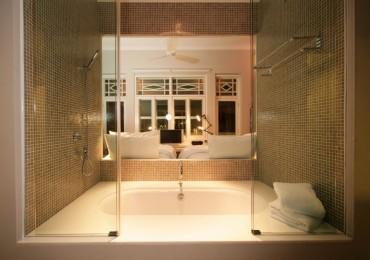 aqua-room-1_miguel-chew-1024x683.jpg