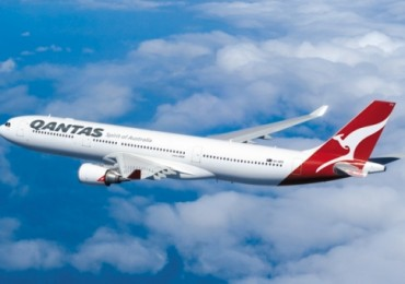 qantas-a330-flying.jpg