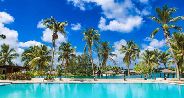 holiday-inn-resort-.jpg