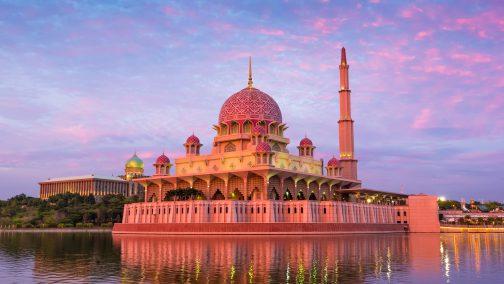 islamic-tourism-2-504x284.jpg