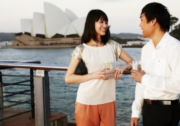 chinese-visitors-sydney-harbour-edited.jpg