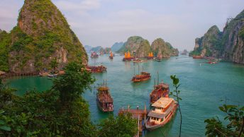 halong vietnam boats islands