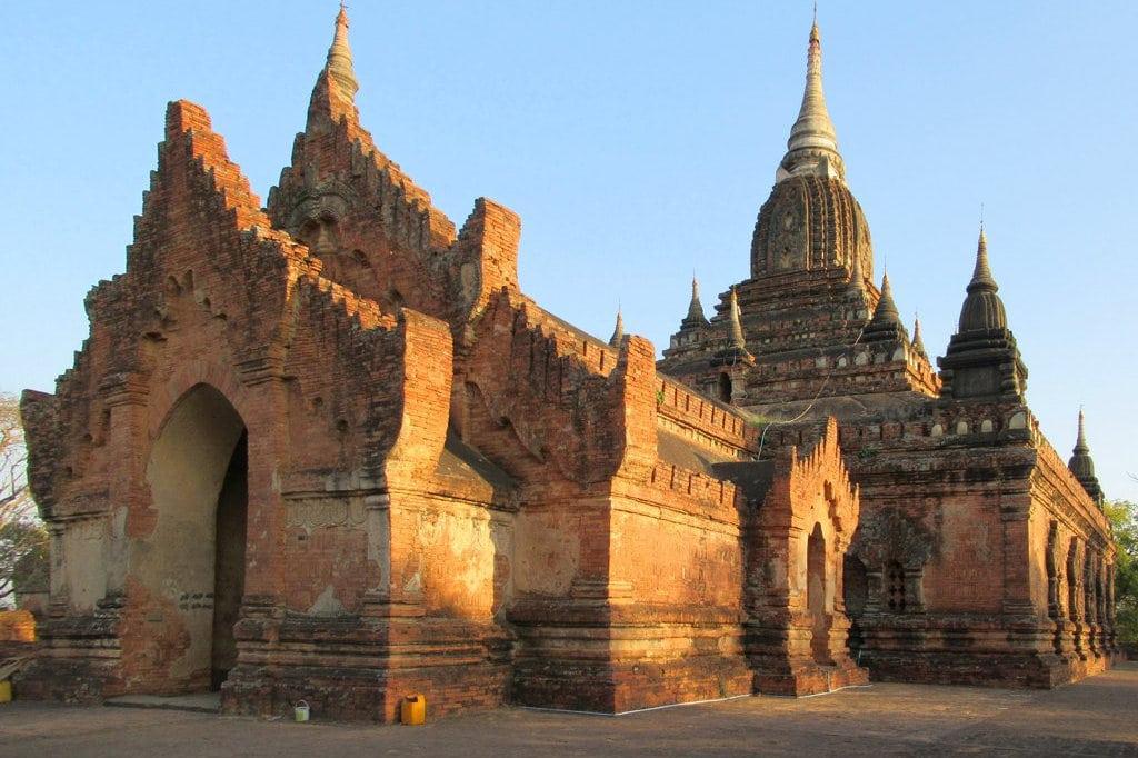 nagayon-pagoda-at-bagan-myanmar-2.jpg
