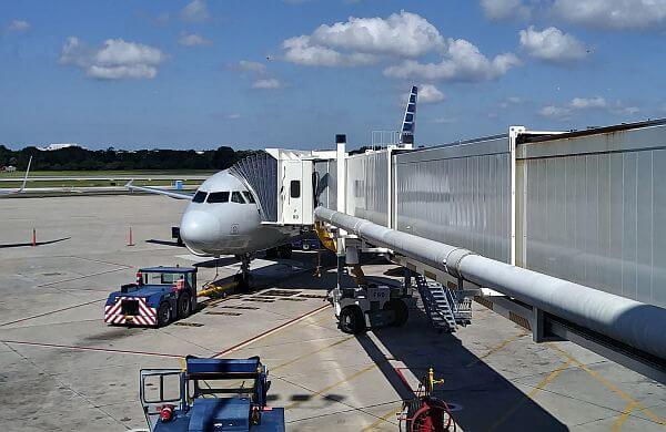 flight-plane-boarding